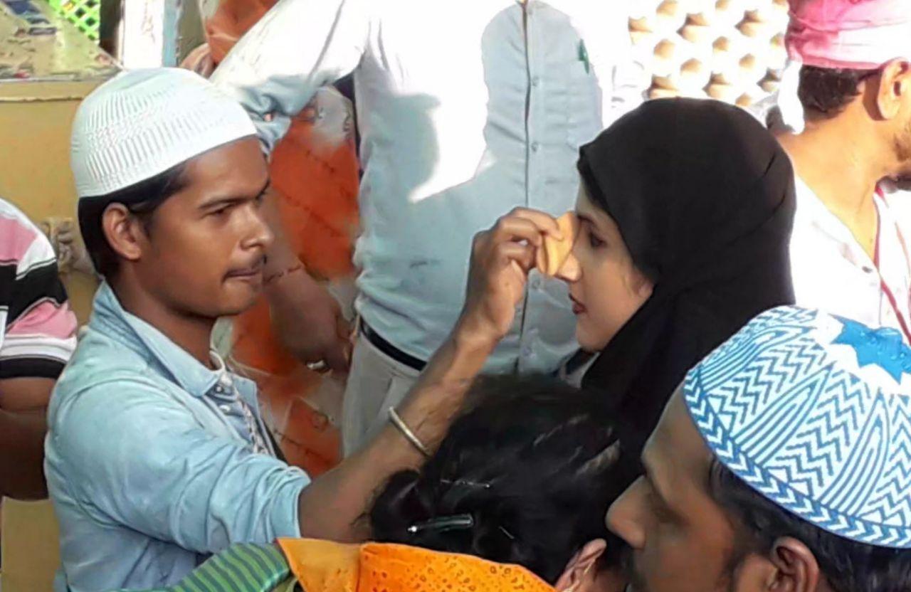 Ajmer News - Dargah : बुर्के में पहुंचीं अभिनेत्री शिवानी, दरगाह में कराया मैकअप