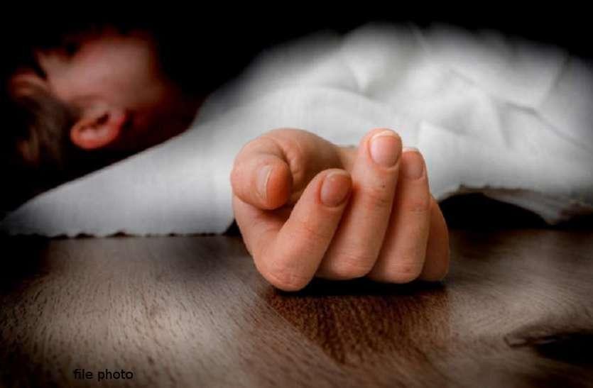 बाप ने अपने ही बेटे को स्कूल बेल्ट से इतना मारा कि हो गई मौत, गुमराह करने शव को चढ़ा दिया फांसी के फंदे पर