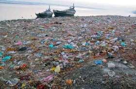 समुद्र तट पर बढ़ रहे कचरे को रोकने के लिए दुनिया की सबसे बड़ी एडल्ट साइट ने शूट किया डर्टी वीडियो