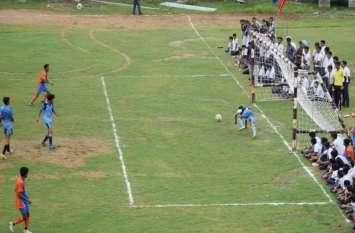 बिजली सी गति से ले उड़ी लाडलियां गेंद, हैण्डबॉल प्रतियोगिता में दमखम दिखाया किशोरियों ने
