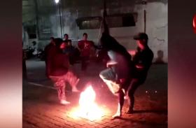 Video: जकार्ता में मनाया गया इस्लामिक न्यू ईयर, फायर फुटबॉल खेलते नजर आए बच्चे
