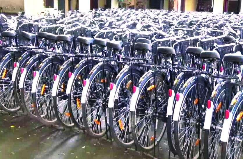 गजब! एसपी बंगले से ले उड़े साइकिलें, चोरों ने पुलिस को किया चैलेंज
