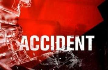 ट्रक ने बाइक को मारी टक्कर, एक की मौत, तीन गंभीर रूप से घायल