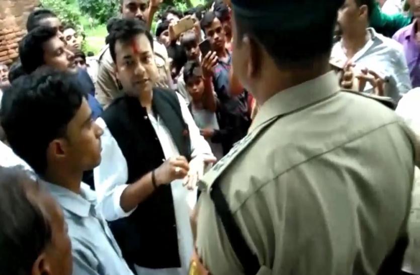 धार्मिक समारोह में प्रसाद में बिरयानी खिलाने का आरोप, 43 के खिलाफ FIR दर्ज
