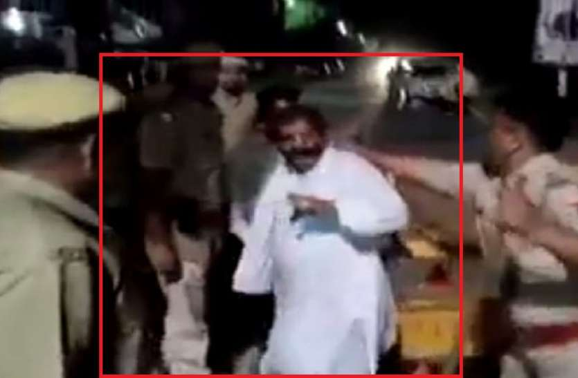 फेक अलर्ट: पूर्व आर्मी ऑफिसर पर नहीं बरसाई पुलिस ने लाठियां, अलवर का है असली वीडियो