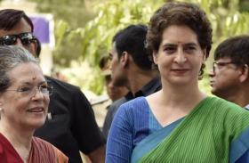 कांग्रेस में अब प्रियंका गांधी लेंगी राहुल गांधी की जगह, सोनिया गांधी ने 1999 वाला फॉर्मूला अपनाने का किया ऐलान