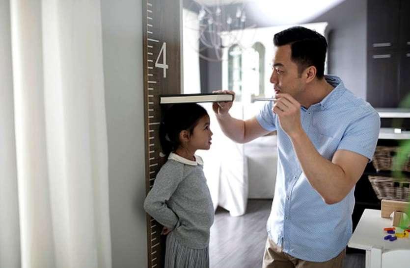 Children's Height :- हाइट बढ़ाने के लिए बच्चों का लटकना बहुत फायदेमंद, पीठ भी हो जाएगी सीधी