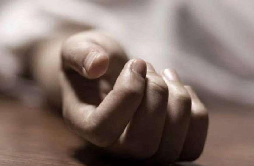 करंट से स्कूली छात्र व मैकेनिक की मौत