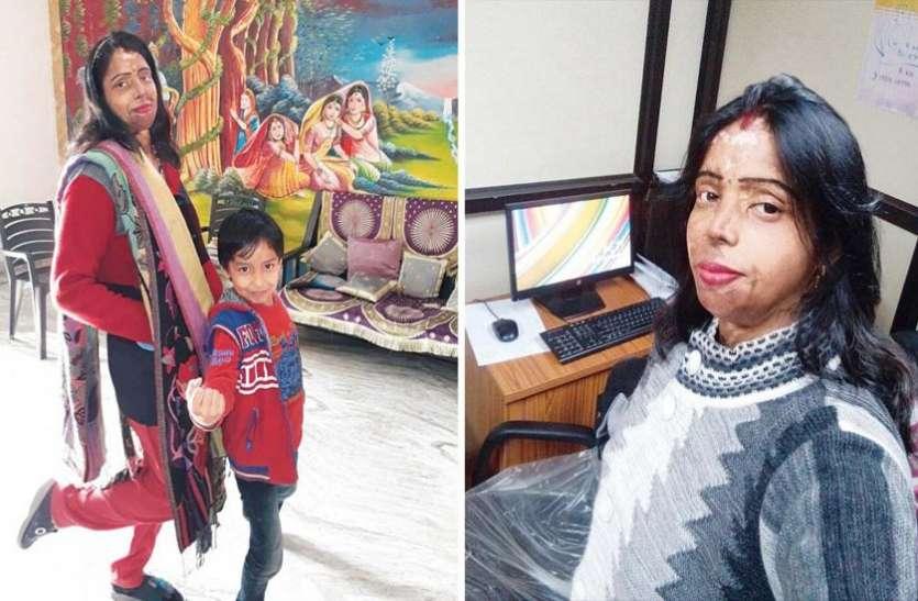 एसिड अटैक मोहनी बनीं दिल्ली महिला आयोग की हेल्प-डेस्क का चेहरा