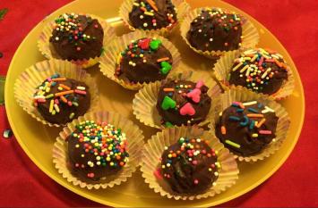 आयरन की पूर्ति करेगा कोकोनट चॉकलेट लड्डू, जानें बनाने का तरीका