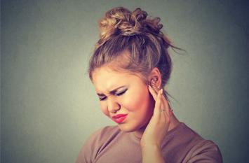 सर्दी-जुकाम या गले में परेशानी होने पर भी बहता कान