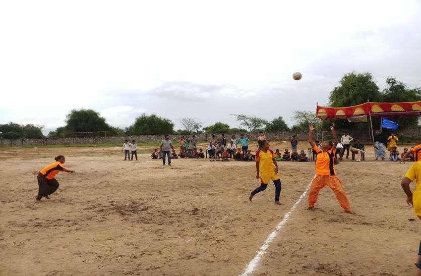 फाइनल में पहुंची नया नारणावास की हैंडबॉल टीम