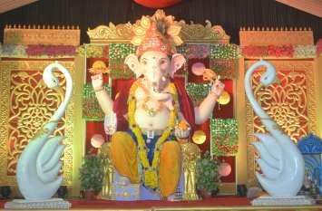 Ganesha Chaturthi : गजानन महाराज की आरती में उमड़ रहे श्रद्धालु