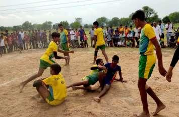 Shahpura : जिला स्तरीय कबड्डी प्रतियोगिता में हो रहे रोमांचक मुकाबले