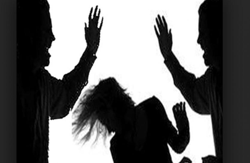 फिर सामने आई भीड़ की हिंसा, बच्चा चोरी के आरोप में दो महिलाओं की जमकर पिटाई