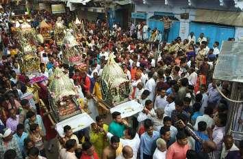 श्योपुर में देव विमानों का चल समारोह देखने उमड़े हजारों लोग