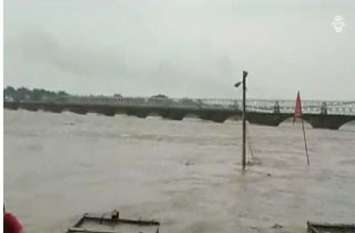 चंबल की बाढ़ पर ड्रोन कैमरो से की जा रही है निगरानी