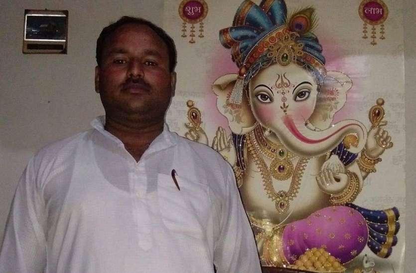 Hapur – BJP leader Rakesh Sharma shot dead.