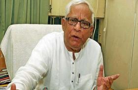 पश्चिम बंगाल: पूर्व CM बुद्धदेव भट्टाचार्य की सेहत में सुधार, अब भी ऑक्सीजन सपोर्ट पर