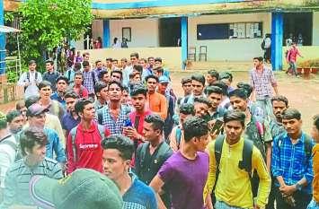 पीजी कॉलेज में एनसीसी बंद, कैडेटों ने कहा चालू कराने करेंगे भूख हड़ताल
