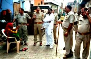 मोहर्रम 2019: ताजिया जुलूस रोकने पर पुलिस से भिड़े, चौकी पर पथराव