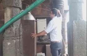 आखिर ऐसा क्या हो गया जो महाकाल मंदिर के शिखर को जांचने रुड़की से आई विशेष टीम