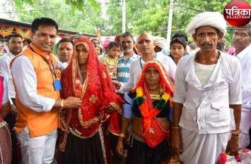 PICS:ग्रामीणों की भीड़ उमड़ रही समंद डोवन को
