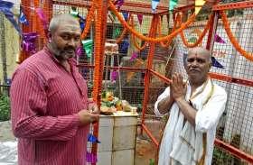 कोर्ट में चलता रहे राम मंदिर बाबरी मस्जिद का केस अयोध्या में अख्य्तर भाई ने तो बनवा दिया शिव मंदिर