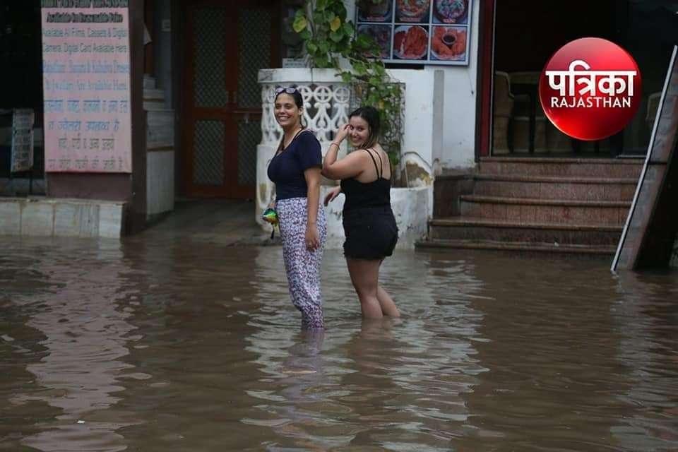 Heavy Rain In Pushkar