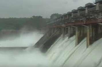Patrika News: नर्मदा बांध से पानी छोड़ा, मल्हारराव घाट डूबा