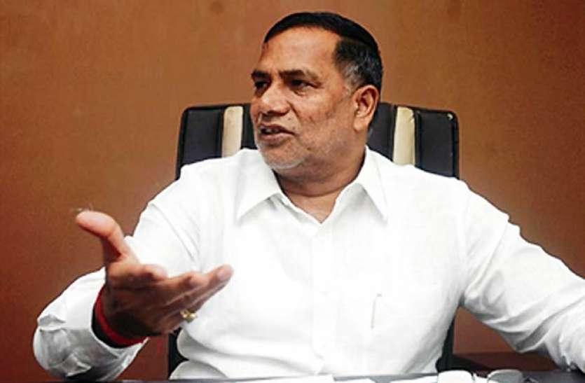 अनुच्छेद 370 के मामले पर कृपाशंकर सिंह ने छोड़ी कांग्रेस, बीजेपी में हो सकते हैं शामिल