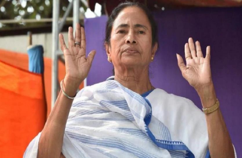 ममता बनर्जी ने भी किया नए मोटर व्हीकल एक्ट का विरोध, कहा- राज्य में लागू नहीं होने देंगे