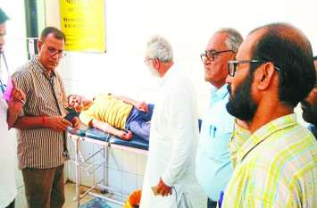 अनशनकारी की बिगड़ी तबीयत, जयपुर रेफर