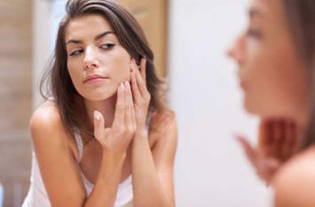 पिंपल्स और झुर्रियों रहित गोरी त्वचा पाने के लिए करें ये घरेलू उपाय, तुरंत होगा फायदा