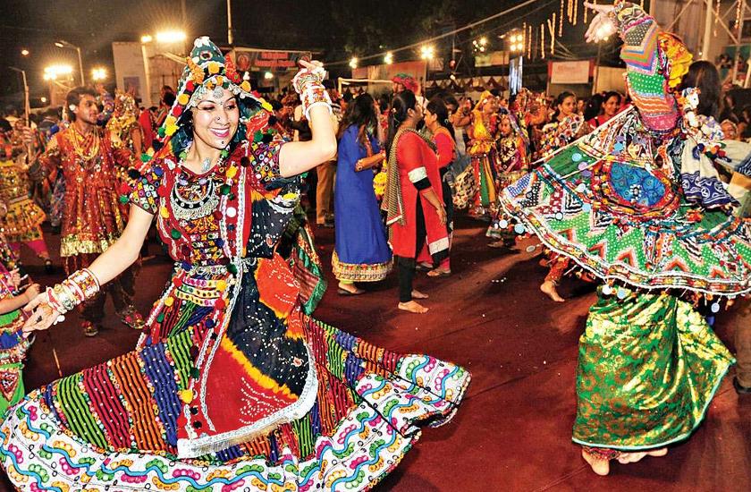 Navratri 2019 : नवरात्रि डांस, गरबा, डांडिया रास के लिए फाल्गुनी पाठक के टॉप गाने, यहां जानें