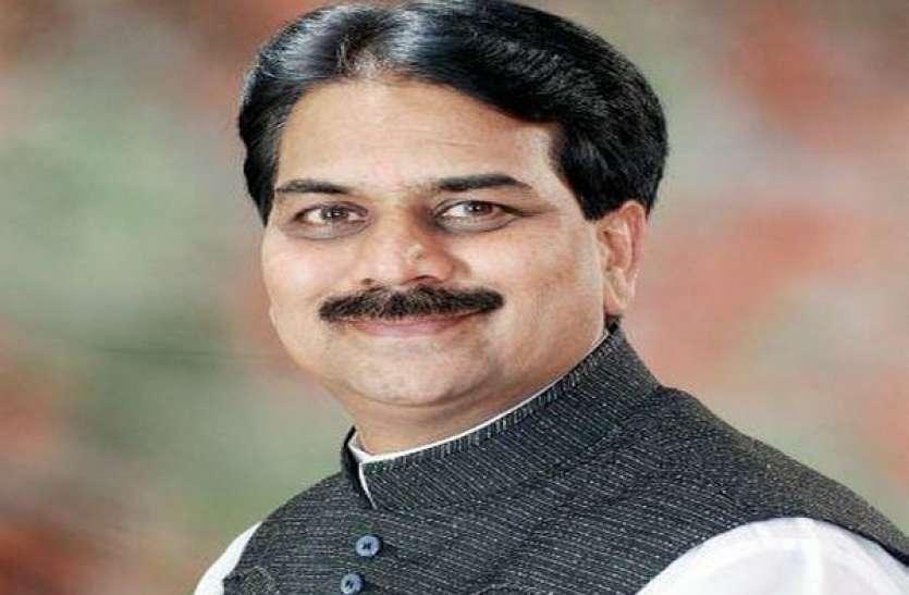महाराष्ट्र: कांग्रेस नेता हर्षवर्धन पाटिल बीजेपी में शामिल, इस सीट से लड़ सकते हैं चुनाव