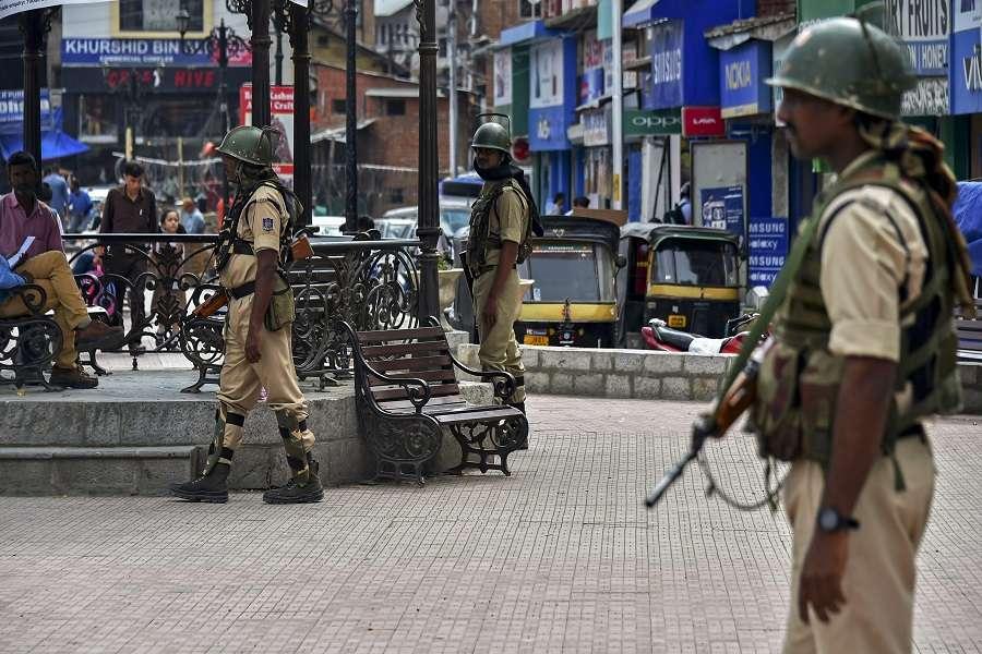 Jammu Kashmir: बॉण्ड बनेगा रिहाई की चाबी, साइन करो और घर जाओ