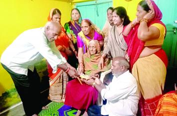 मृत्युभोज करने के बजाए पत्नी ने 1.5 लाख रुपए श्मशान घाट के लिए किए दान