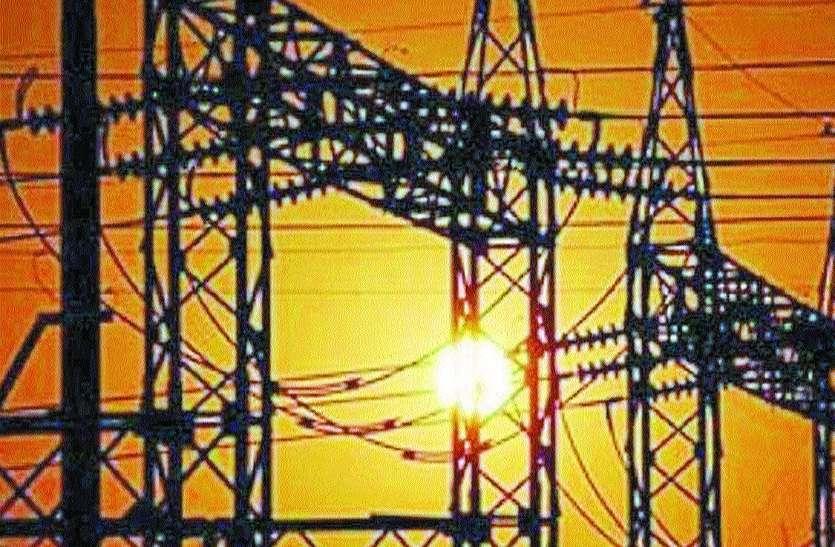 बिजली: रोशनी का पर्व करीब,मांग में इजाफा