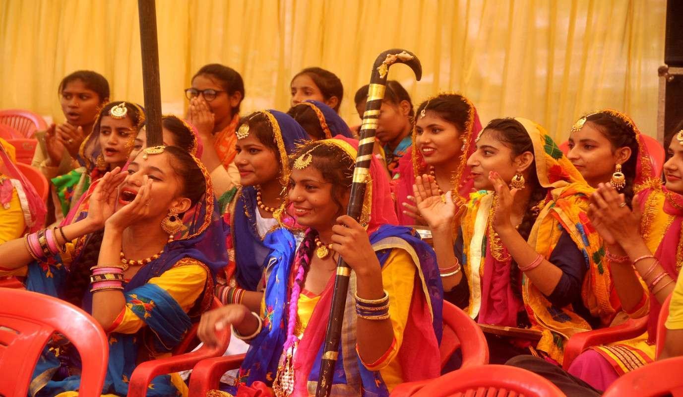 श्रीगंगानगर..64वीं राज्य स्तरीय माध्यमिक/उच्च माध्यमिक 17 व 19 वर्ष छात्र-छात्रा जिम्नास्टिक प्रतियोगिता का आगाज.....देखें खास तस्वीरें