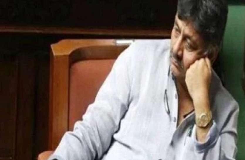 कांग्रेस नेता डीके शिवकुमार की अचानक बिगड़ी तबीयत, अस्पताल में भर्ती
