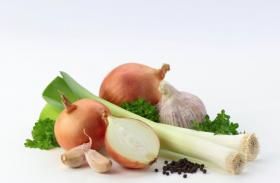 High Blood Pressure Control Diet: लहसुन इस तरह खाने से उच्च रक्तचाप में मिलेगा फायदा