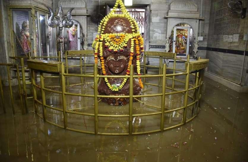 पांचवी बार शिवना ने किया भगवान पशुपतिनाथ का जलाभिषेक