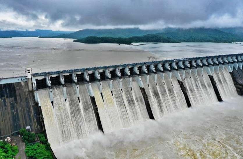 Narmda Dam in Gujarat: नर्मदा बांध शीर्ष स्तर से महज 1.4मीटर शेष