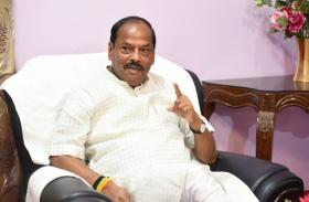 झारखंड के मुख्यमंत्री रघुबर दास ने भाजपा को बताया राज्य को संवारने वाली पार्टी, देखें वीडियो