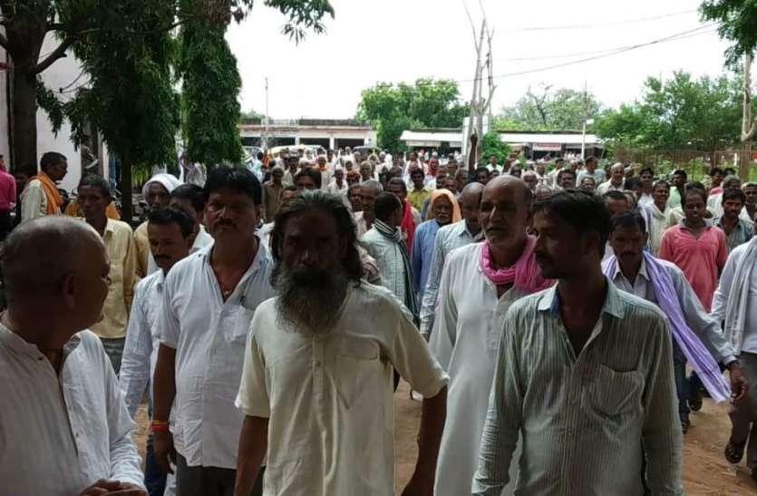 चंदेली तालाबों को भरने किसानों ने किया आंदोलन