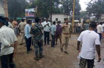 लाठी चार्ज के मामले में तीन पुलिस कर्मचारी निलंबित, चार के खिलाफ अपराध दर्ज