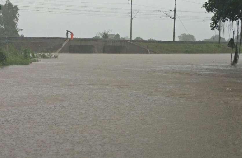 मंदसौर में बारिश का कहर, भगोर सहित कई गांवों में घूसा पानी