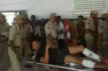 Breaking news- पुलिस व बदमाशों में फायरिंग, गैंग सरगना के पांव में गोली लगने से हुआ घायल