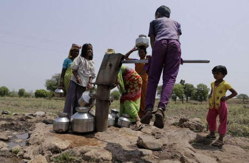 तीन विदेशी कंपनियों से कर्ज लेकर 26 हजार गांवों तक पानी पहुंचाएगी सरकार